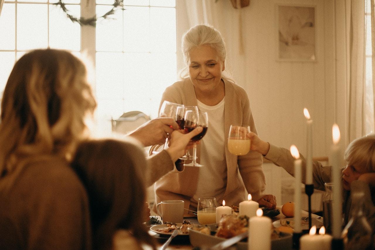 Niedługo Dzień Babci i Dziadka – pomyśl o wyjątkowym prezencie