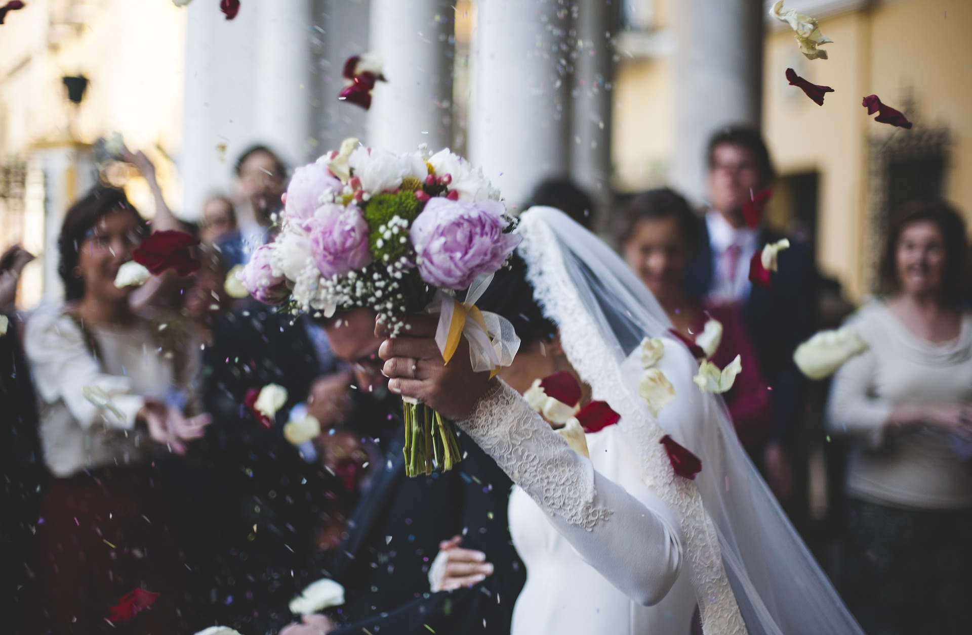 Co kupić nowożeńcom? Prezenty na ślub